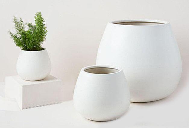 White ceramic planters